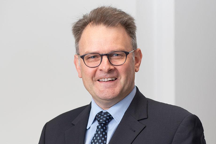 Dr. Rainer Dvorak